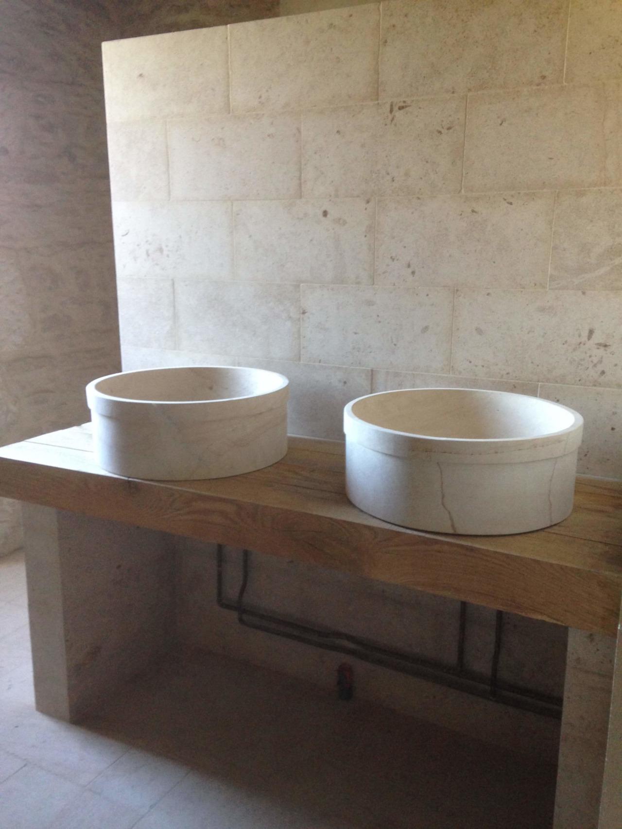 Salle de bain, château dans l'Yonne